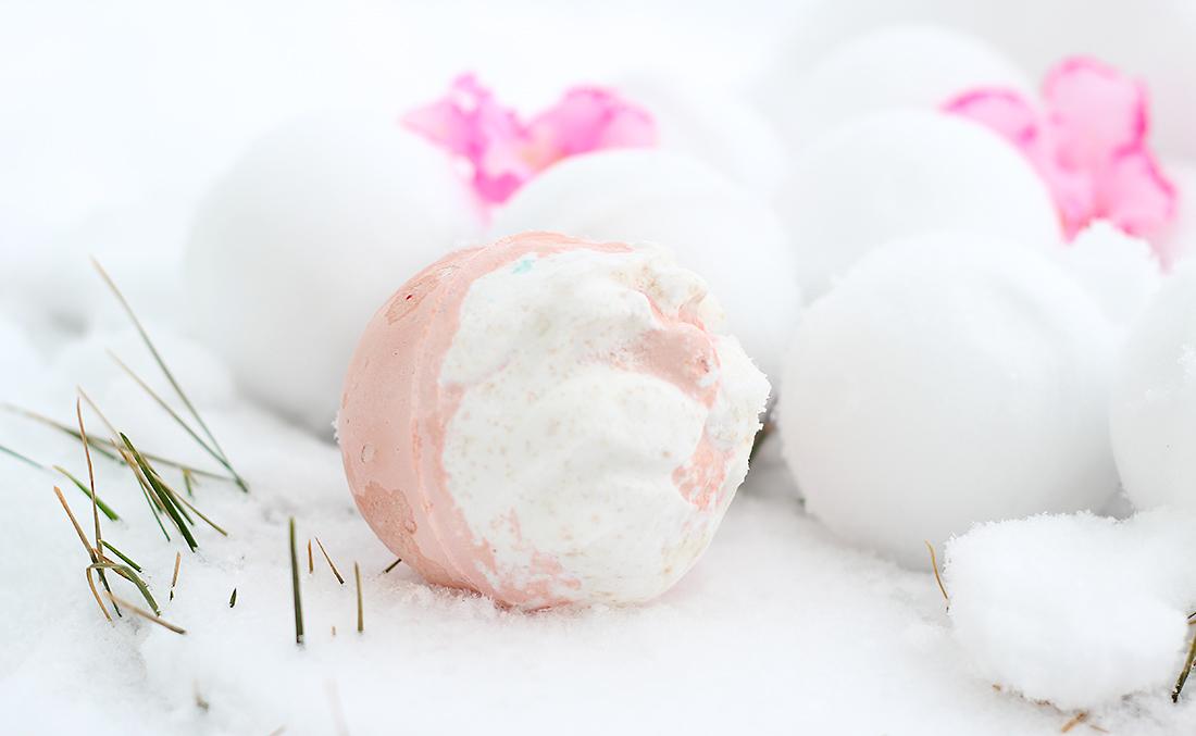 Бомба для ванны LUSH «Дед Мороз»