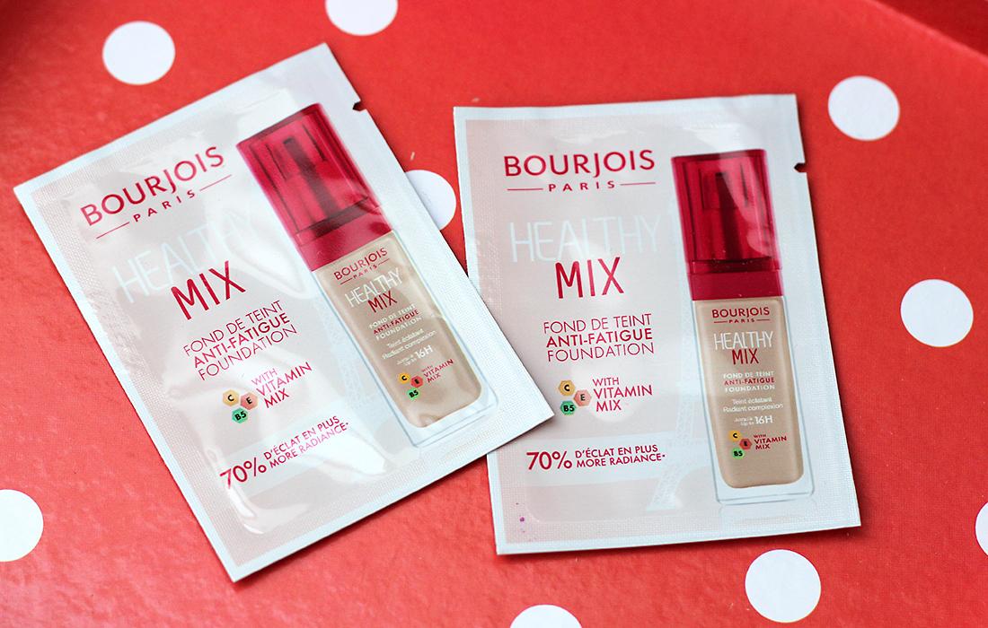 Тональная основа Bourjois Healthy Mix «Витаминное сияние»