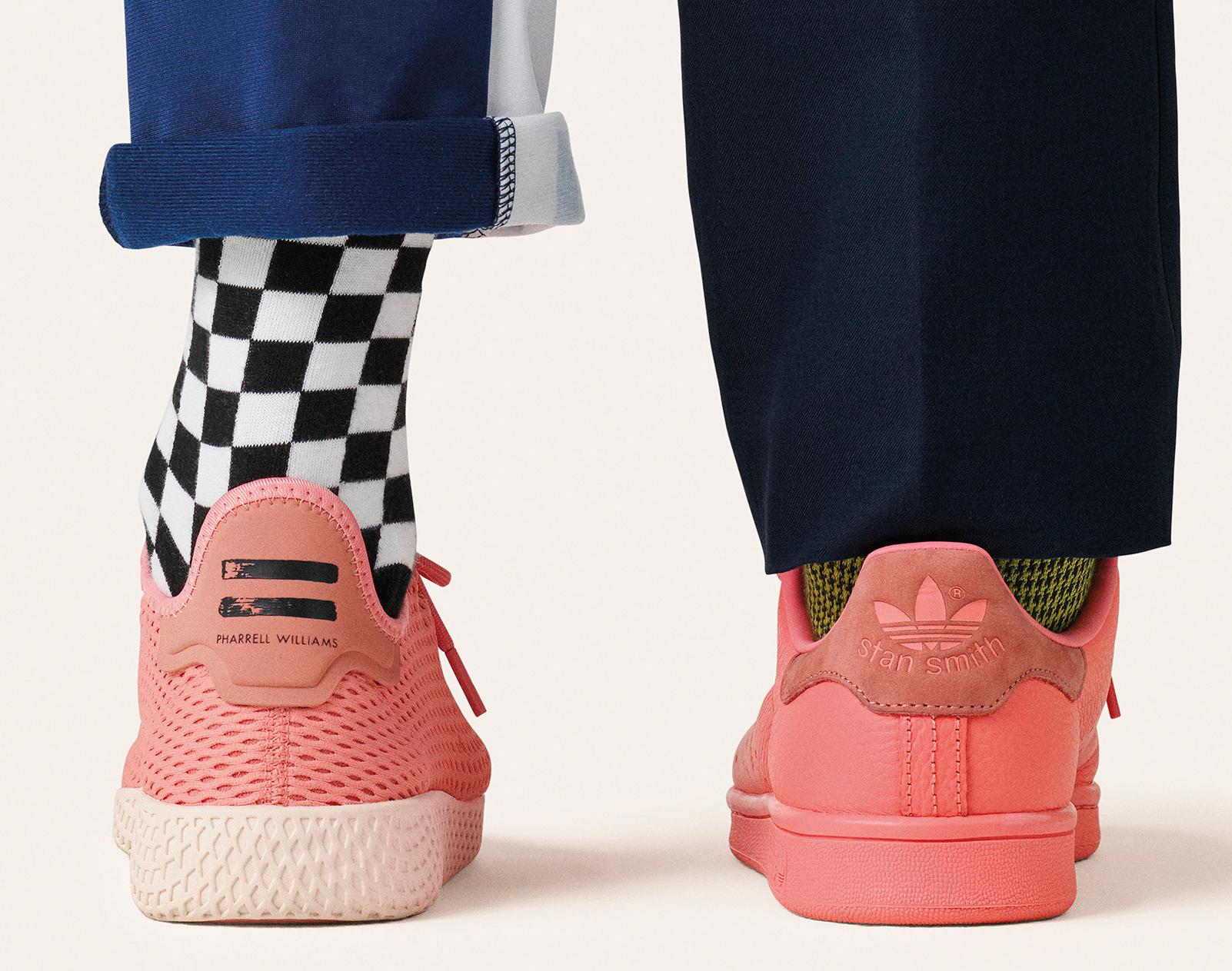 Новые кроссовки adidasTennis Hu