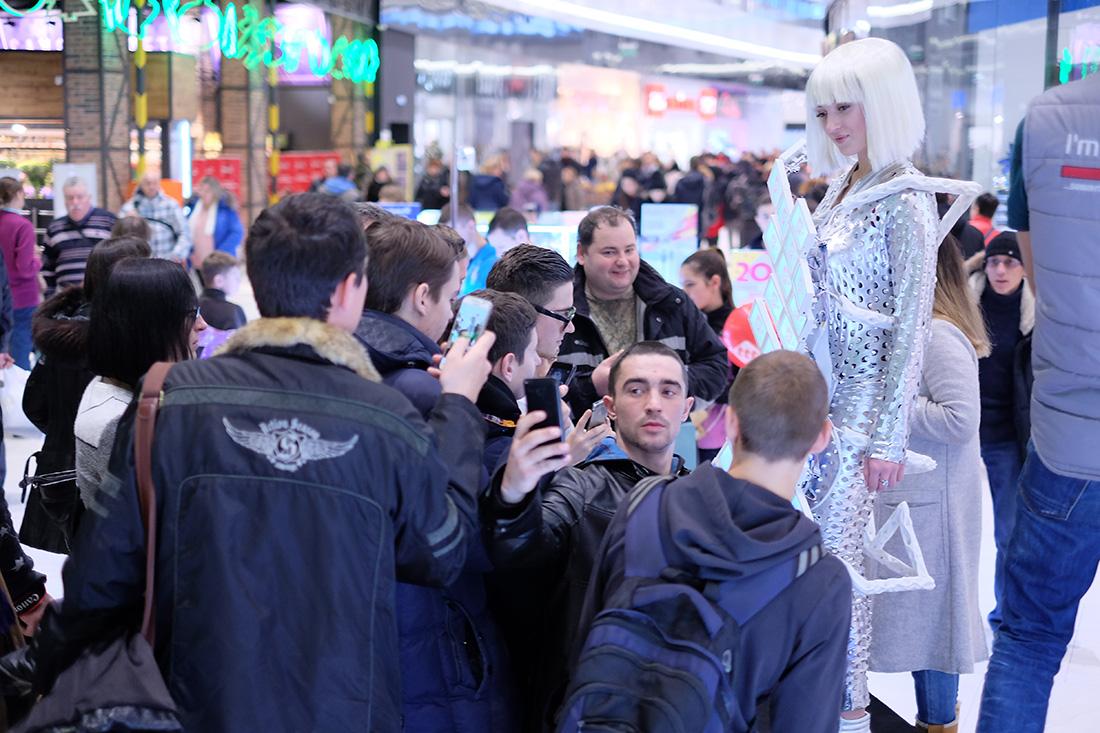 Презентация техно-платья на открытии магазина электроники ttt.ua