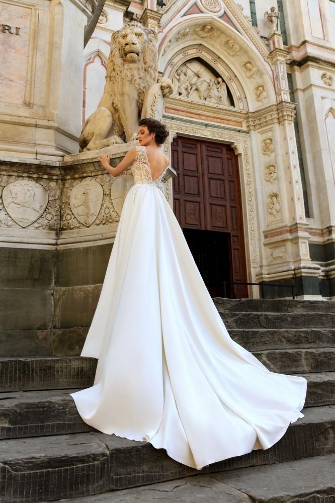 свадебные платья Innocentia