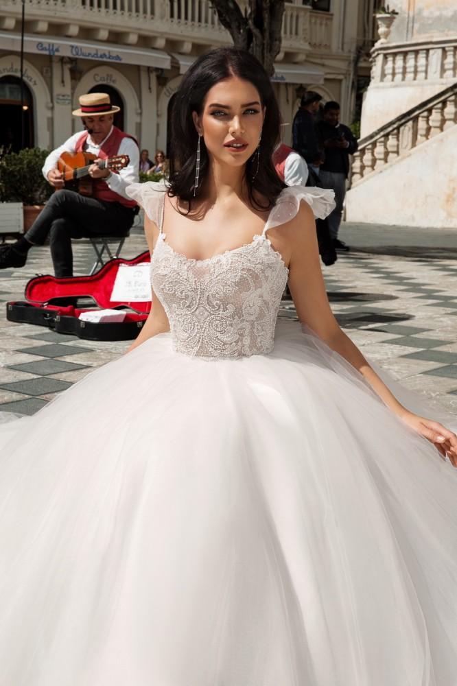 Итальянские свадебные платья Innocentia эксклюзивно в NOVIAS