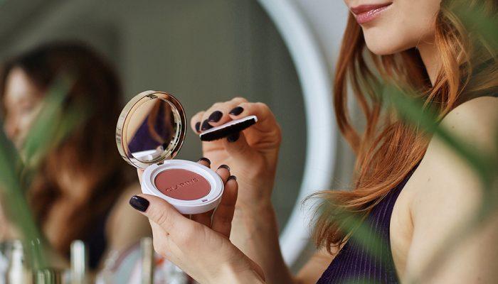 Румяна в макияже: Clarins Joli из коллекции Cheeky Cheeky Bam Bam